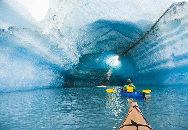 Resultado de imagen para Cavernas de hielo del glaciar Mendenhall El Glaciar Mendenhall #Alaska