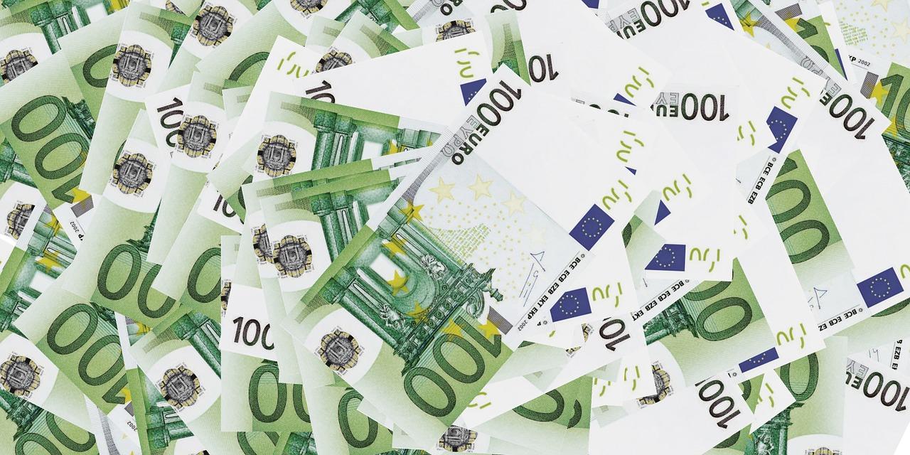 Divisa Euro versus dollar/ESTA visa